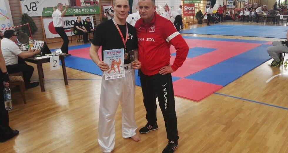 Bartłomiej Mieńciuk Mistrzem Polski Seniorów w Kickboxingu