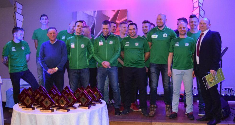 Klub Sportowy Błonie Barwice podziękował sponsorom oraz zaprezentował drużynę seniorską