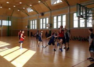 Koszykarze z ogólniaka zwyciężyli w powiatowej Licealiadzie.
