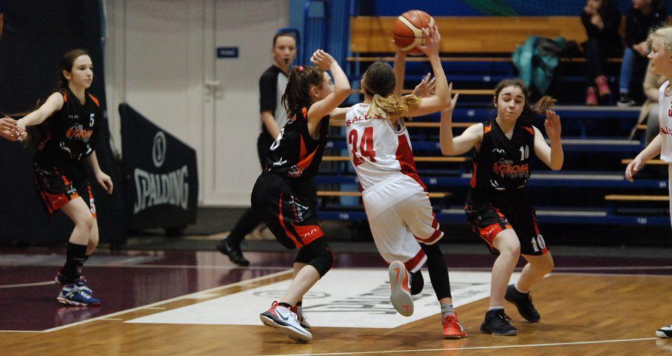 Wygrana koszykarek GROMu z drużyną z Władysławowa