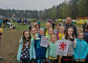 Uczennice z SP1 zajęły 8 miejsce w Ogólnopolskich Biegach Przełajowych