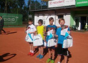 Dwa brązowe medale Gabrysia Łosiewicza w turnieju tenisowym