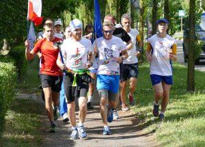 Biegacze ze Szczecinka uczestniczyli w sztafecie Biegu Pokoju