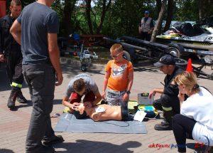 """Zaproszenie do Mielna na ćwiczenia w udzielaniu pierwszej pomocy- rozpoczyna się akcja """"Bezpieczne wakacje"""""""