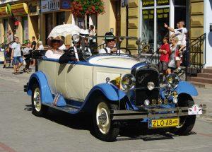 Zabytkowe auta po raz kolejny wyjechały na ulice w ramach Dixie Rajd Old Mobile.