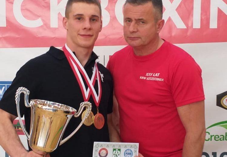 Podwójne złoto Bartłomieja Mienciuka (KSW Szczecinek) w Akademickich Mistrzostwach Polski w kick – boxingu