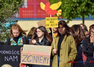 Młodzież strajkowała w sprawie polityki klimatycznej